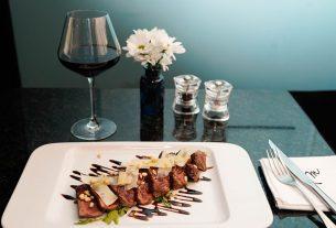 mime`s gourmet bar zagreb - beef tagliata na rikoli