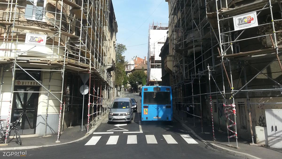 nazorova ulica, zagreb / zet bus 105 / ožujak 2017.