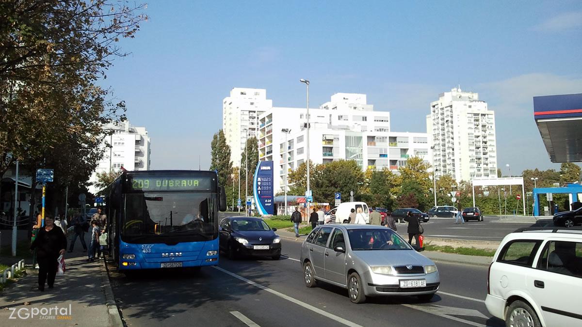 dankovečka ulica, dubrava, zagreb / listopad 2013.