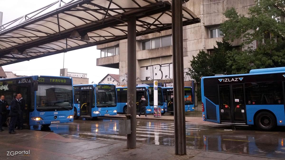 autobusni terminal glavni kolodovor zagreb / listopad 2014.
