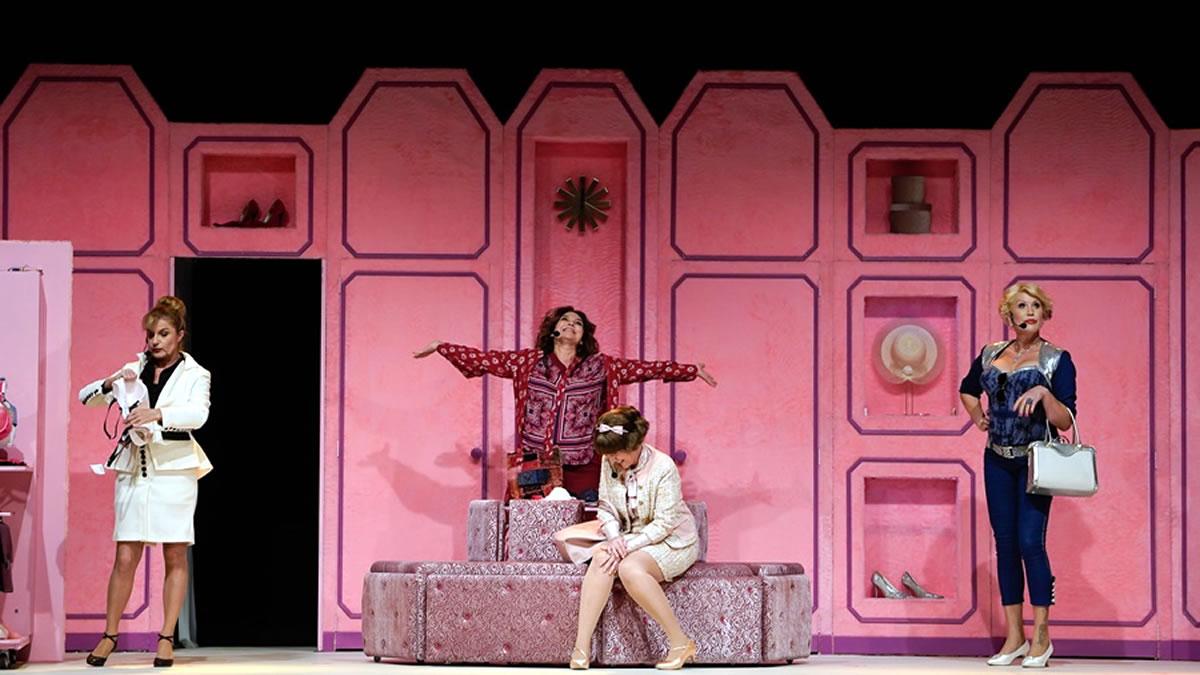 "predstava ""menopauza"" / studentski centar zagreb 2019"