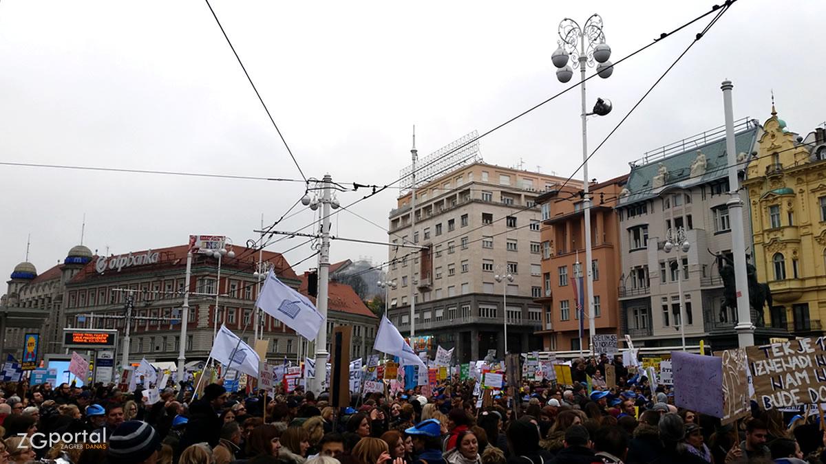 """prosvjed """"hrvatska mora bolje"""" / trg bana jelačića, zagreb / 25. studenoga 2019."""