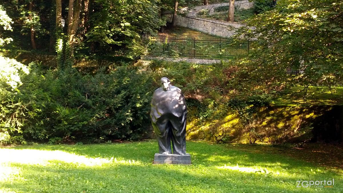 spomenik miroslavu krleži / tuškanac, zagreb / kolovoz 2016.