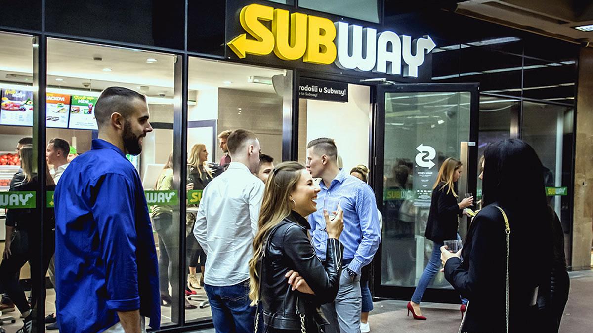 subway zagreb / petrićev prolaz / studeni 2019.