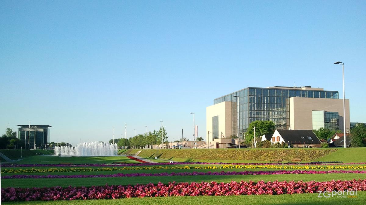 zagrebačke fontane - nacionalna i sveučilišna knjižnica zagreb / svibanj 2013.