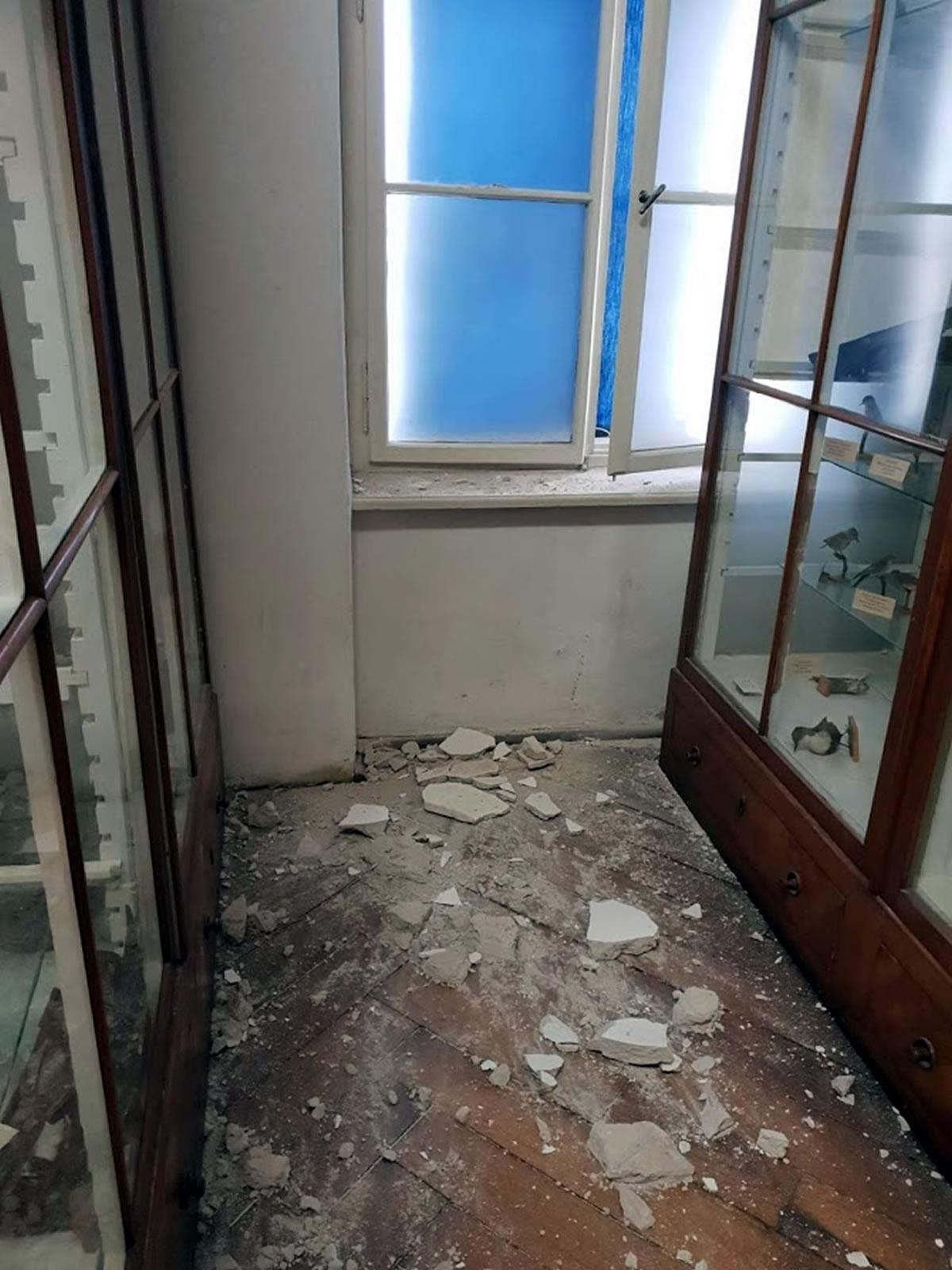 hrvatski prirodoslovni muzej - razbijene vitrine u potresu - 2020