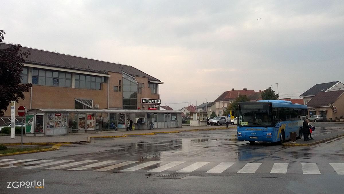 autobusni terminal velika gorica / listopad 2015.