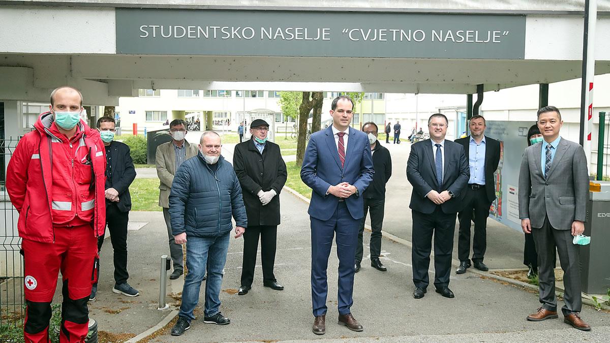 ivan malenica, ministar uprave i zhang heng, huawei hrvatska - studentski dom cvjetno naselje zagreb - travanj 2020.