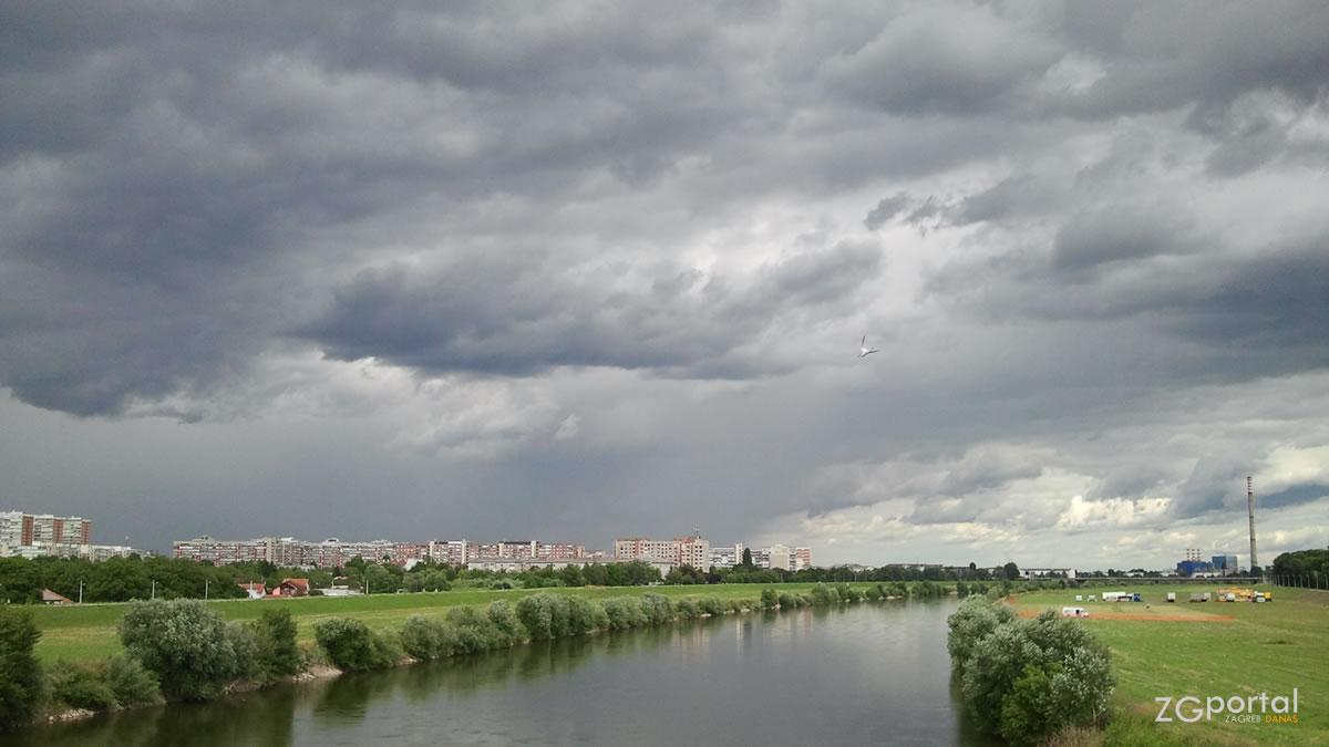 rijeka sava, zagreb / lipanj 2013.