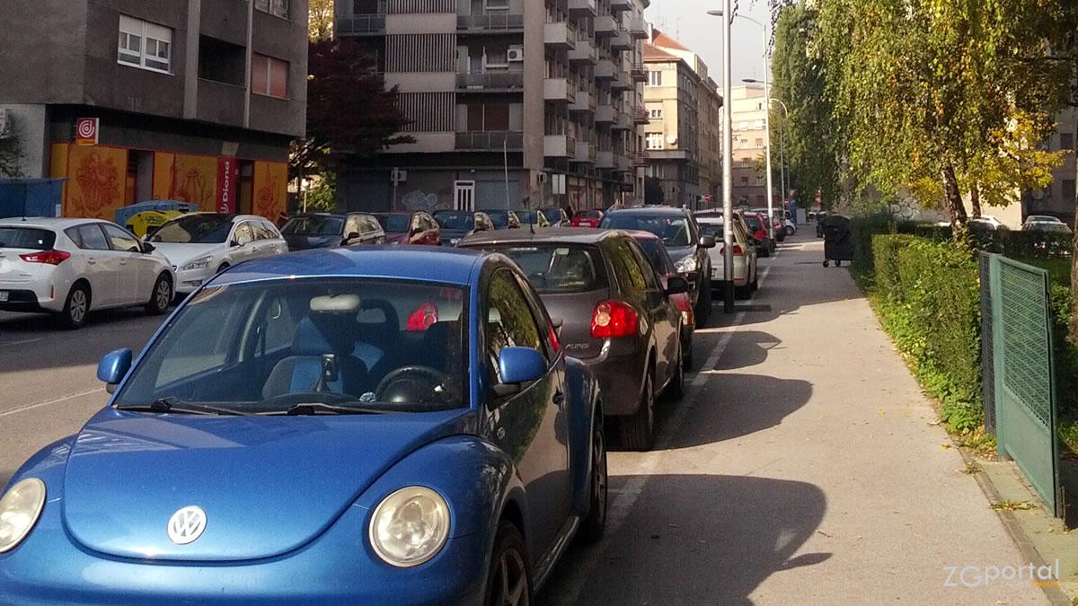 ulica kneza domagoja, zagreb / listopad 2015.