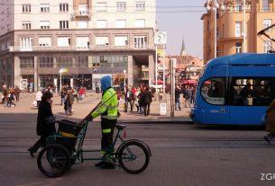 smetlarski bicikl - trg bana jelačića, zagreb - ožujak 2015.