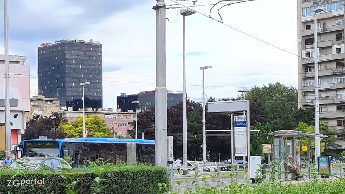 zet bus 609 - avenija marina držića, zagreb / kolovoz 2020.