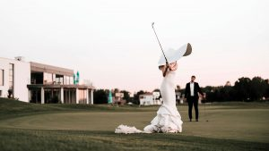 clubhouse golf 2020 - mladenci na golf terenu
